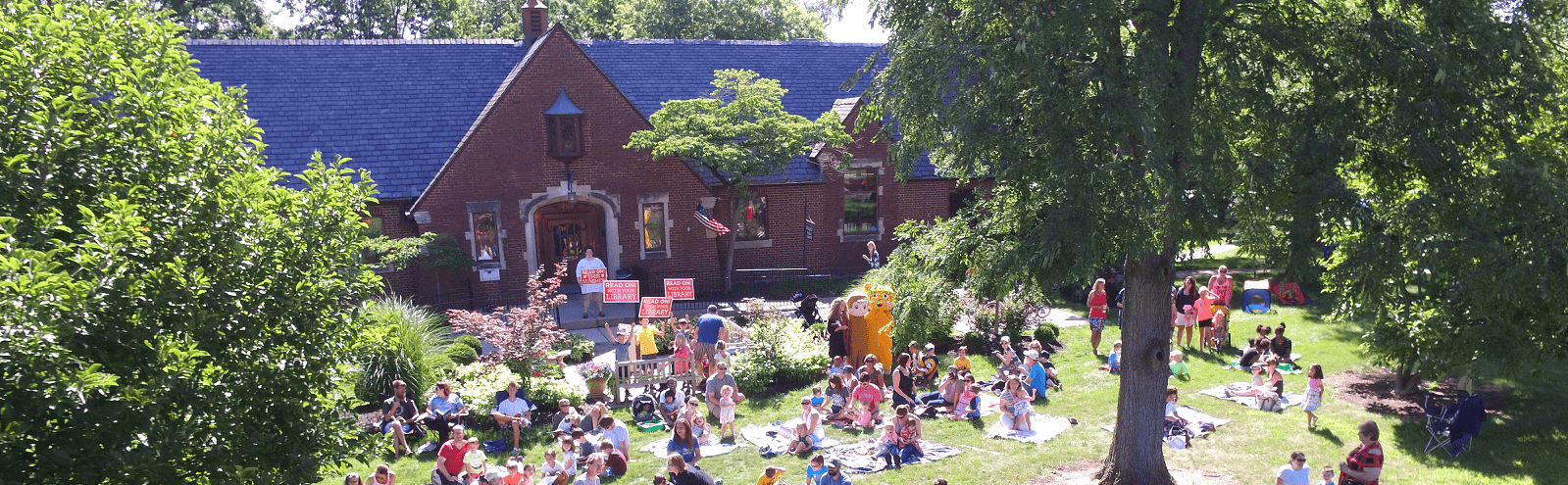 Event on the library lawn